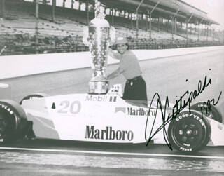 Autographs: EMERSON FITTIPALDI - PHOTOGRAPH SIGNED 1992
