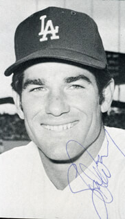 STEVE GARVEY - MAGAZINE PHOTOGRAPH SIGNED