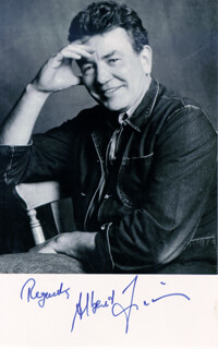 ALBERT FINNEY - AUTOGRAPHED SIGNED PHOTOGRAPH
