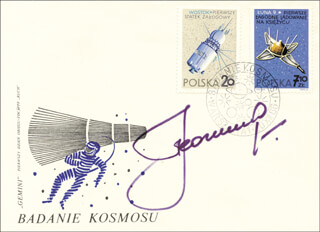 Autographs: MAJOR GENERAL ALEXEI LEONOV - COMMEMORATIVE ENVELOPE SIGNED