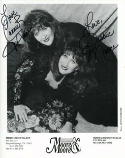 MOORE & MOORE - AUTOGRAPHED SIGNED PHOTOGRAPH CO-SIGNED BY: MOORE & MOORE (CARRIE MOORE), MOORE & MOORE (DEBBIE MOORE)