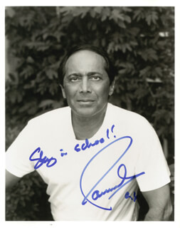 Autographs: PAUL ANKA - PHOTOGRAPH SIGNED 1996