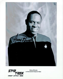 AVERY BROOKS - AUTOGRAPHED SIGNED PHOTOGRAPH