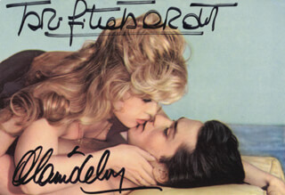 Autographs: BRIGITTE BARDOT - PICTURE POST CARD SIGNED CO-SIGNED BY: ALAIN DELON