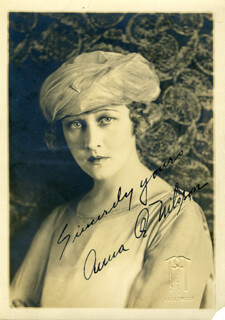 ANNA Q. NILSSON - AUTOGRAPHED SIGNED PHOTOGRAPH CIRCA 1919