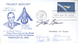 JOHN GLENN - FIRST DAY COVER SIGNED CO-SIGNED BY: JOHN GLENN SR., CLARA GLENN - HFSID 24179