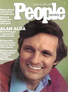 Autographs: ALAN ALDA - MAGAZINE COVER SIGNED 1975