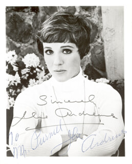 JULIE ANDREWS - AUTOGRAPHED INSCRIBED PHOTOGRAPH  - HFSID 24619