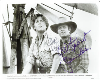 Autographs: COMES A HORSEMAN MOVIE CAST - PHOTOGRAPH SIGNED CIRCA 1978 CO-SIGNED BY: JANE FONDA, JAMES CAAN