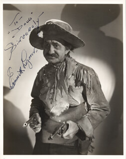 EMMETT POPS LYNN - AUTOGRAPHED INSCRIBED PHOTOGRAPH