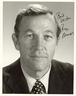 ROGER MUDD - AUTOGRAPHED SIGNED PHOTOGRAPH