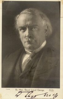 PRIME MINISTER DAVID LLOYD GEORGE (GREAT BRITAIN) - PICTURE POST CARD SIGNED
