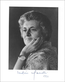 PRIME MINISTER INDIRA GANDHI (INDIA) - AUTOGRAPHED SIGNED PHOTOGRAPH 1971