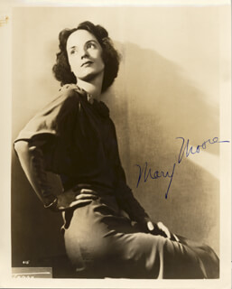 MARY MOORE - AUTOGRAPHED SIGNED PHOTOGRAPH