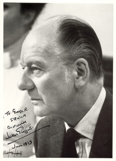 SIR JOHN GIELGUD - AUTOGRAPHED INSCRIBED PHOTOGRAPH 6/1979