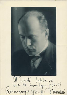 PRIME MINISTER BENITO (IL DUCE) MUSSOLINI (ITALY) - AUTOGRAPHED INSCRIBED PHOTOGRAPH 05/1933