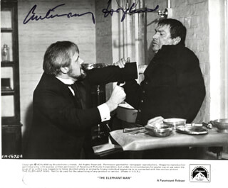 ANTHONY HOPKINS - AUTOGRAPHED SIGNED PHOTOGRAPH