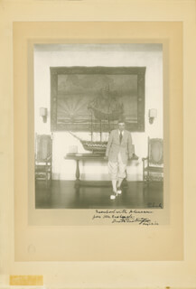 BOOTH TARKINGTON - INSCRIBED PHOTOGRAPH MOUNT SIGNED 08/23/1932
