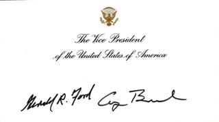 Autographs: PRESIDENT GEORGE H.W. BUSH - VICE PRESIDENTIAL CARD SIGNED CO-SIGNED BY: PRESIDENT GERALD R. FORD