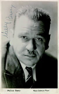 WALLACE BEERY - PICTURE POST CARD SIGNED