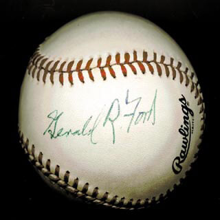 Autographs: PRESIDENT GERALD R. FORD - BASEBALL SIGNED
