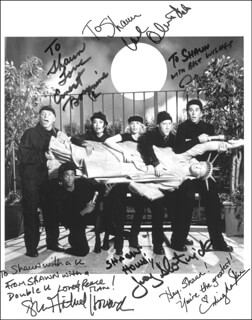 THE SINGLE GUY TV CAST - AUTOGRAPHED SIGNED PHOTOGRAPH CO-SIGNED BY: ERNEST BORGNINE, OLIVIA D'ABO, JONATHAN SILVERMAN, SHAWN MICHAEL HOWARD, JOEY SLOTNICK, MING NA