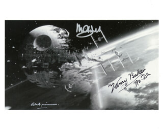 STAR WARS MOVIE CAST - AUTOGRAPHED SIGNED PHOTOGRAPH CO-SIGNED BY: SIR ALEC GUINNESS, MARK HAMILL, KENNY BAKER