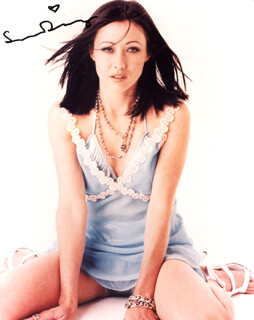 SHANNEN DOHERTY - AUTOGRAPHED SIGNED PHOTOGRAPH