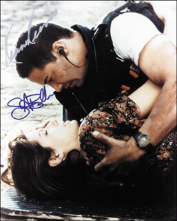 SPEED MOVIE CAST - AUTOGRAPHED SIGNED PHOTOGRAPH CO-SIGNED BY: SANDRA BULLOCK, KEANU REEVES
