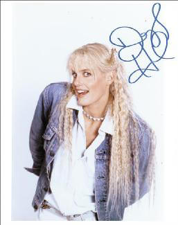 DARYL HANNAH - AUTOGRAPHED SIGNED PHOTOGRAPH