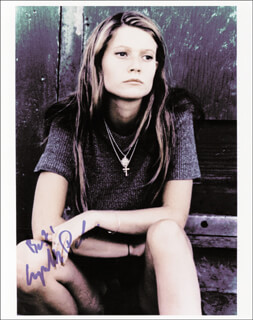 GWYNETH PALTROW - AUTOGRAPHED SIGNED PHOTOGRAPH