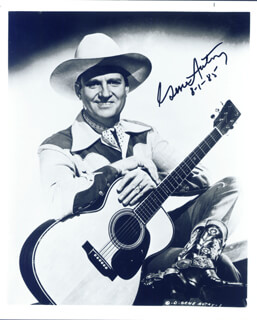 GENE AUTRY - AUTOGRAPHED SIGNED PHOTOGRAPH 08/01/1985
