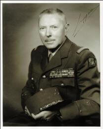 Autographs: MAJOR GENERAL R. J.A. BRYGOO - PHOTOGRAPH SIGNED