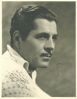 WARNER BAXTER - AUTOGRAPHED INSCRIBED PHOTOGRAPH