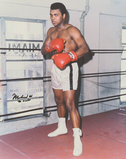 MUHAMMAD THE GREATEST ALI - AUTOGRAPHED SIGNED PHOTOGRAPH  - HFSID 258107
