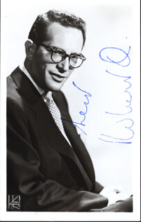 ROBERT Q. LEWIS - AUTOGRAPHED SIGNED PHOTOGRAPH