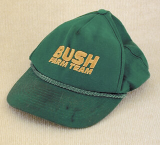Autographs: PRESIDENT GEORGE W. BUSH - HAT UNSIGNED