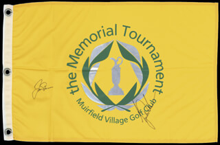 Autographs: TIGER WOODS - FLAG SIGNED CO-SIGNED BY: JACK NICKLAUS