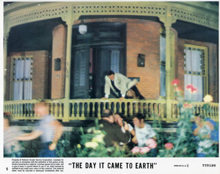 THE DAY IT CAME TO EARTH MOVIE CAST - LOBBY CARD UNSIGNED (USA)