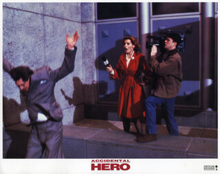 ACCIDENTAL HERO MOVIE CAST - LOBBY CARD UNSIGNED (USA) 1992  - HFSID 259900