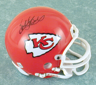 Autographs: BOBBY BELL - MINIATURE HELMET SIGNED