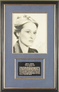 MERYL STREEP - AUTOGRAPHED SIGNED PHOTOGRAPH