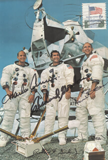 Autographs: APOLLO XII - PICTURE POST CARD SIGNED CIRCA 1969 CO-SIGNED BY: CAPTAIN CHARLES PETE CONRAD JR., CAPTAIN ALAN L. BEAN, CAPTAIN RICHARD F. DICK GORDON JR.