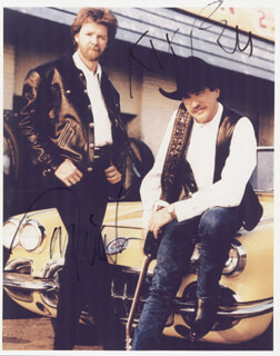 BROOKS AND DUNN - AUTOGRAPHED SIGNED PHOTOGRAPH CO-SIGNED BY: BROOKS AND DUNN (KIX BROOKS), BROOKS AND DUNN (RONNIE DUNN)