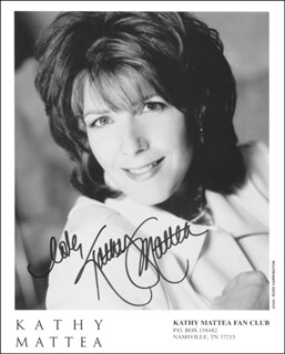 KATHY MATTEA - PRINTED PHOTOGRAPH SIGNED IN INK