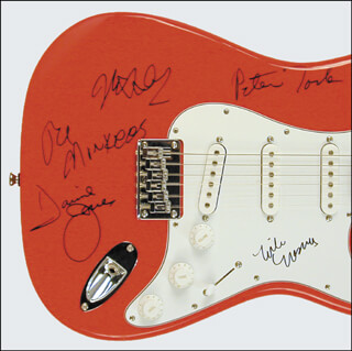 THE MONKEES - GUITAR SIGNED CO-SIGNED BY: THE MONKEES (DAVY JONES), THE MONKEES (MICKEY DOLENZ), THE MONKEES (MICHAEL NESMITH), THE MONKEES (PETER TORK)