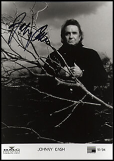 JOHNNY CASH - AUTOGRAPHED SIGNED PHOTOGRAPH