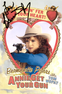 BERNADETTE PETERS - PICTURE POST CARD SIGNED