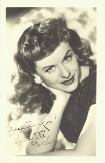 PAULETTE GODDARD - PICTURE POST CARD SIGNED 02/04/1949