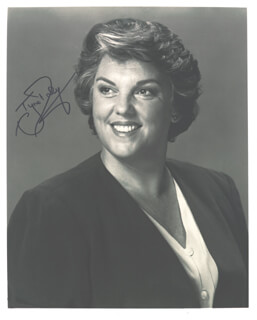 TYNE DALY - AUTOGRAPHED SIGNED PHOTOGRAPH